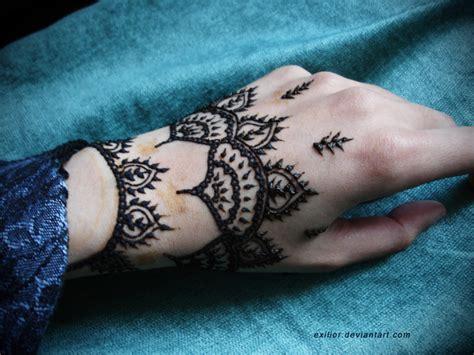 henna design in hand back hand henna design entertainmentmesh