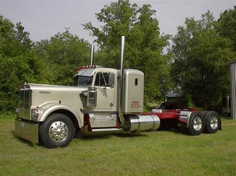 old kw trucks old w900a kenworth road trucks pinterest