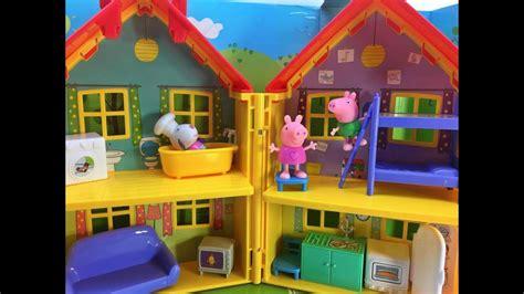 casa pepa pig peppapig y george juegan en la casa nueva de peppa pig