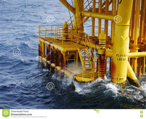 boat landing swing rope high wave hitting the boat landing and producing slots