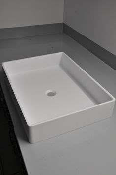 corian umywalka this bespoke trough in glacier white corian 174 is going