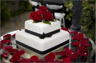 wedding cake lovely minimalist modern two tier black and white wedding cake with gorgeous red roses topper extraordinary modern wedding cakes collection birthday cake name sagar 16 on birthday cake name sagar