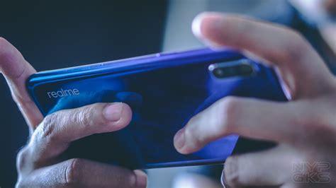 Realme 3 Vs Samsung A10 by Samsung Galaxy A10 Vs Realme 3 Specs Comparison Noypigeeks