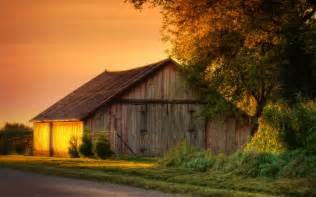Old Barn Wallpaper Old Barn Wallpaper Www Imgkid Com The Image Kid Has It