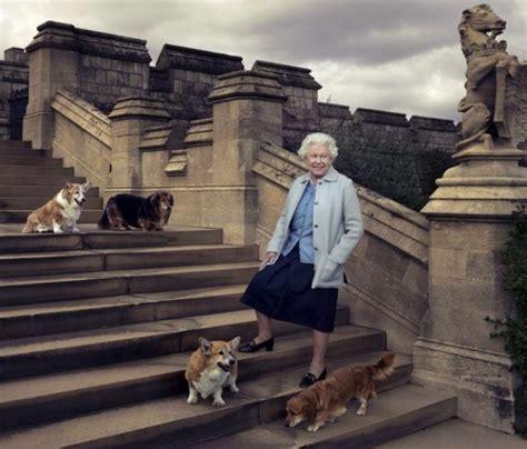 queen elizabeth ii marks historic milestone as longest photos the life and times of queen elizabeth rediff com