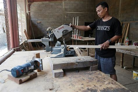 Wooden Gun Hardcase Kayu Untuk Pistol invented for invented for crafting