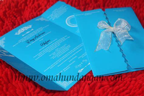 Undangan Soft Cover Ivory Pita undangan biru pita putih sc 55