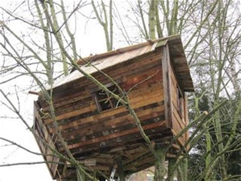 diy pallet tree house projects pallets designs