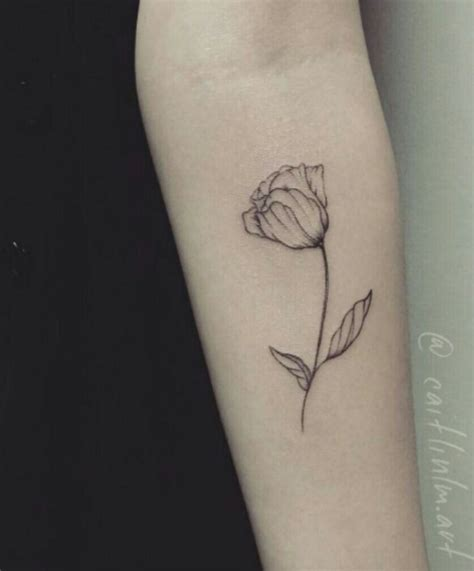 small tulip tattoos best 25 tulip ideas on tiny