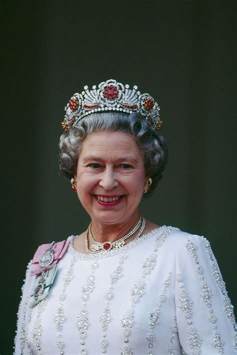 queen elizabeth ii 1000 images about tiaras unlimited the burmese ruby