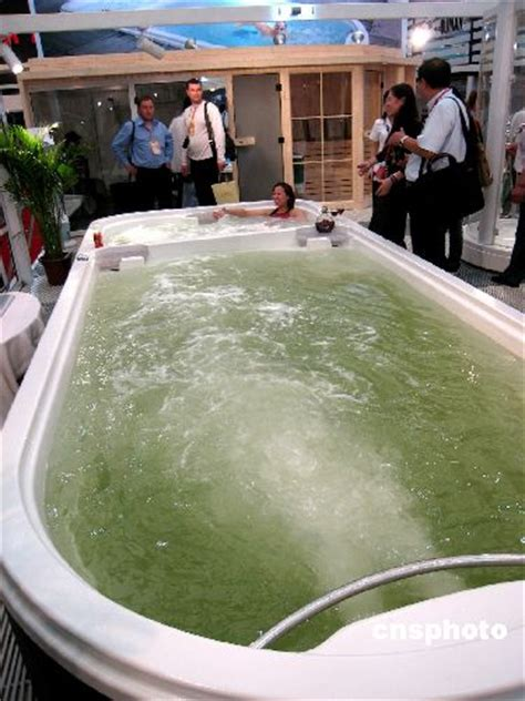 world s biggest bathtub showed up photo news鈥擟hina