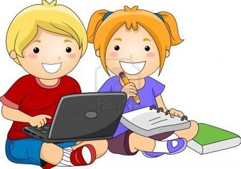 imagenes de niños usando la tecnologia computadoras