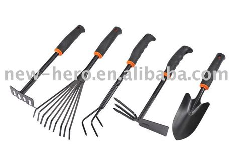 types of gardening tools different kinds of gardening tools view gardening