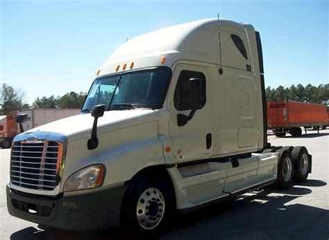 Sleeper Semi Trucks For Sale by 2012 Freightliner Cascadia 113 Sleeper Semi Truck For Sale
