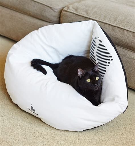cat in bed emi white cat bed shop tytuł sklepu zmienisz w dziale