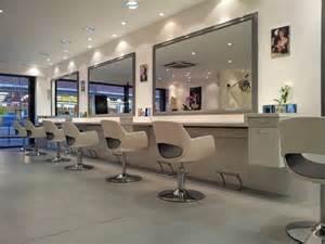 les 25 meilleures id 233 es de la cat 233 gorie salon de coiffure