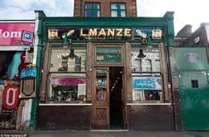 pie and mash shop l manze which opened in 1929 given grade