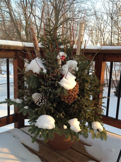 decorating ideas for winter seasonal outdoor decor in minneapolis and surrounding areas