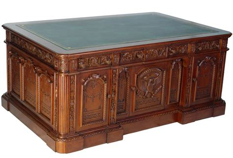 What Is The Resolute Desk by Resolute Desk President Office Writing Table From Mahogany