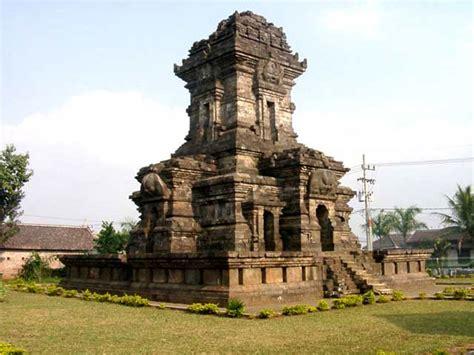 east java singasari temple candi renggo malang java heritages bali java