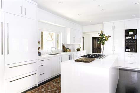 Kitchen Cabinets White by White Kitchen Cabinet Ideas For Vintage Kitchen Design