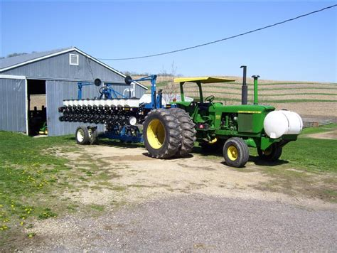 Kinze 3400 Planter by Viewing A Thread Poll What Size Tractor And Planter Are