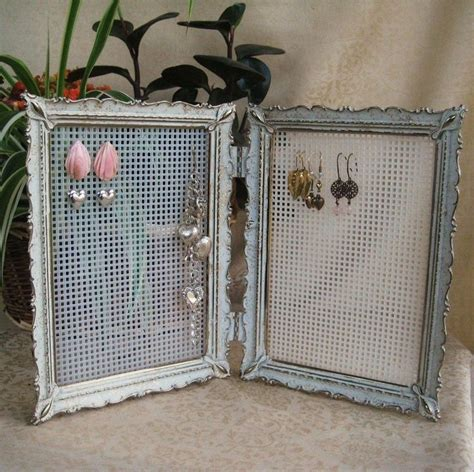 simple vintage earring place card holders in my own style picture frames repurposed repurposed vintage double