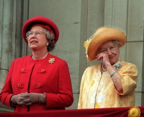 1995: VE DAY   60 Pictures from the Queen's 60 Year Reign