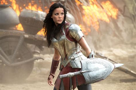 thor movie lady sif thor ragnarok jaimie alexander explains why sif is