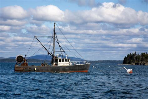 lobster boat manufacturers maine boat builders