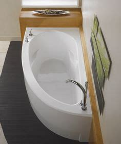 deep bathtubs for small spaces 1000 images about bath tub ideas on pinterest japanese