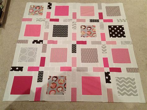 camille roskelley framed quilt pattern round and round quilt baby girl quilt frame pattern by camille roskelley in simp