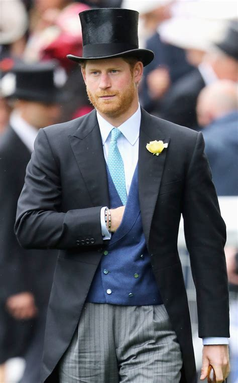 Prince Harrys Chelsy Wears 45 Warehouse Dress by Prince Harry Wears Top Hat To Royal Ascot With