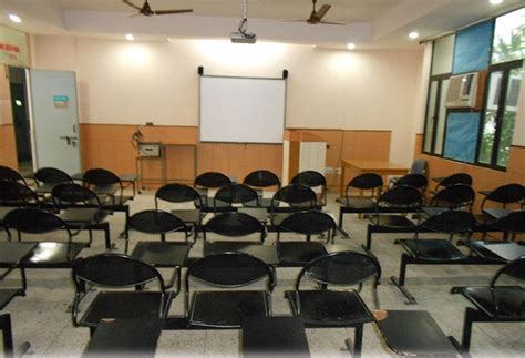 Rukmini Devi Institute Of Advanced Studies Mba Placements by Fees Structure And Courses Of Rukmini Devi Institute Of