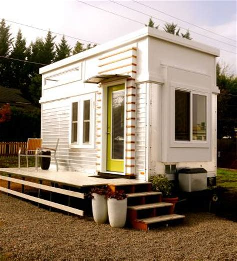 modern tiny houses 200 sq ft modern tiny house on wheels for sale