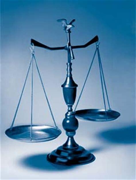 carrera de derecho salidas la pluma cr 237 tica la carrera de derecho