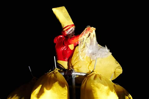 gelber sack gestell das kleid der artemis dorothea seror