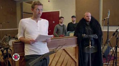 coldplay game of thrones musical video actors give voice to coldplay s game of thrones