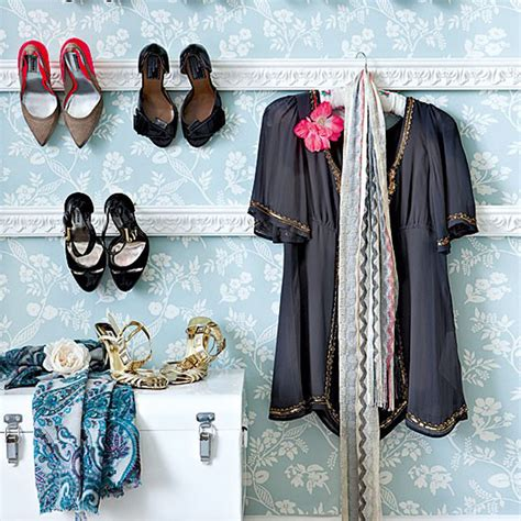 Crown Moulding Shoe Rack by Crown Moulding Shoe Racks Decorating With Your Shoes