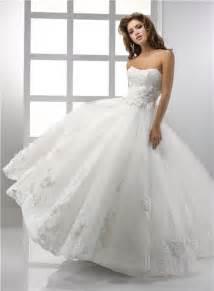 pretty wedding dresses pretty a line princess strapless vintage lace wedding