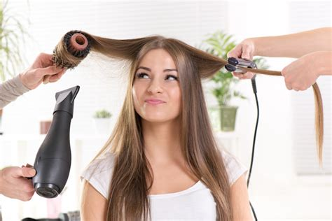 Hair Dressers In Manchester by 6 Things Hairdressers Wish You Wouldn T Do Stylenoted