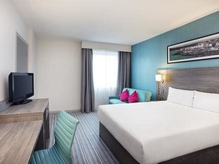 plymouth late shopping jurys inn plymouth deals reviews plymouth laterooms