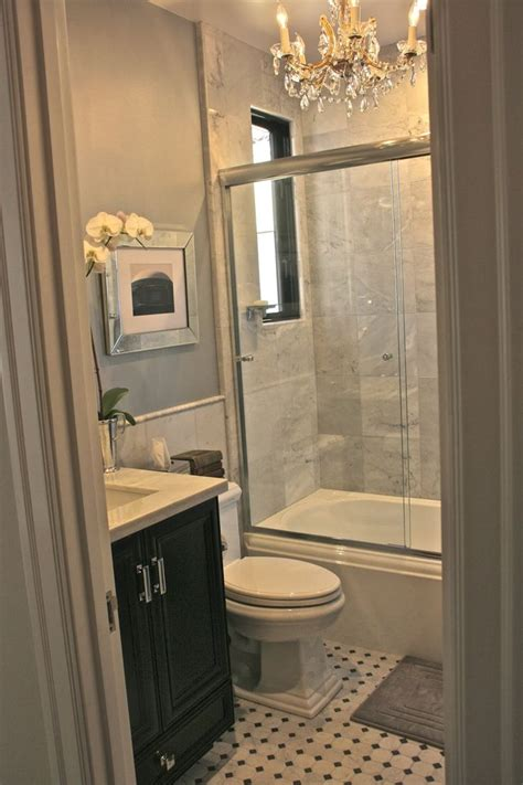 Shower Ideas For Small Bathrooms by Best 25 Small Bathroom Layout Ideas On Pinterest Small