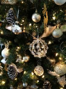 Handmade Tree Decoration - livelovediy how to shop at a thrift store for decor