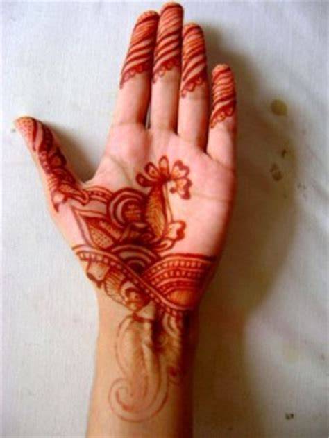 how to apply henna mehandi on hands basic guide