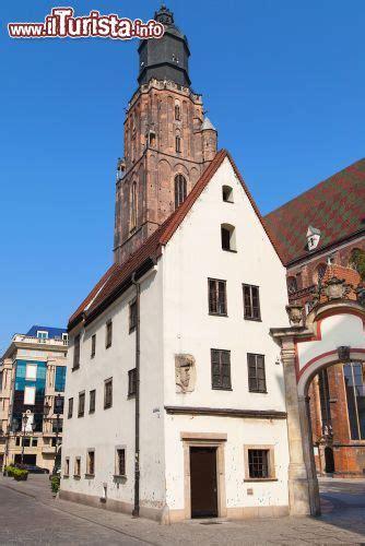 Jas Di Centro Jas House E Chiesa Di Santa Elisabetta A Wroclaw