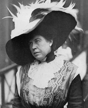 titanic biography facts the unsinkable molly brown biography of a titanic survivor