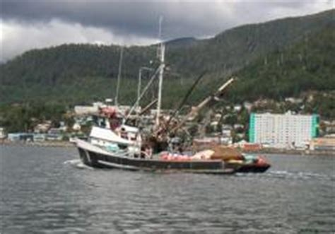 offshore fishing boat jobs gillnetters purse seiners trollers types of alaska