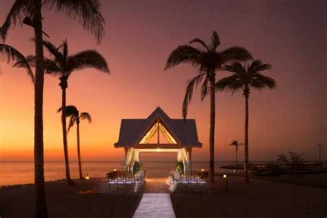 Florida Keys Wedding Packages with Style  on OneWed
