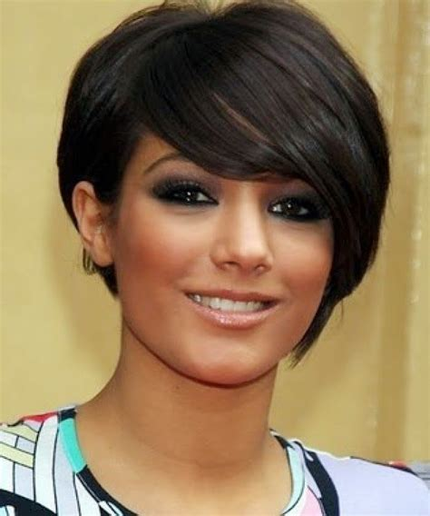 best haircut for large eyes short hair styles for round faces best 25 short